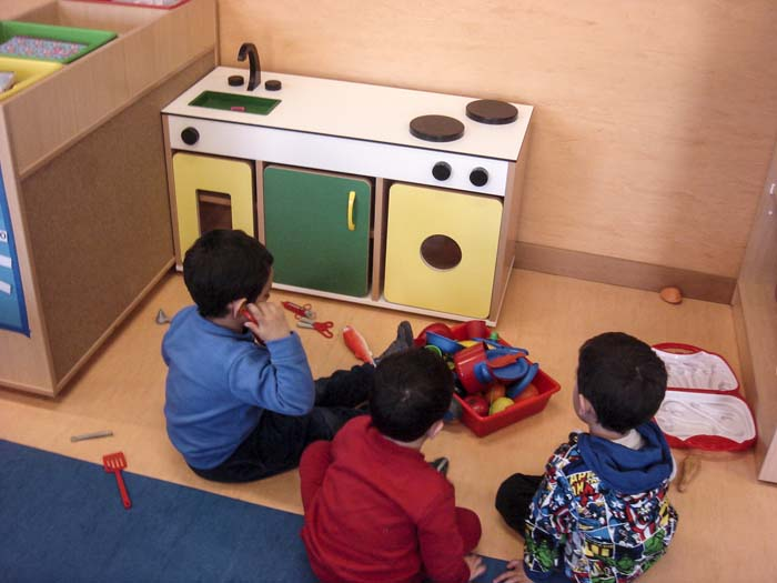 http://www.colegiotempranales.com/images/tempranales/centro/edificio/Cole_015.jpg