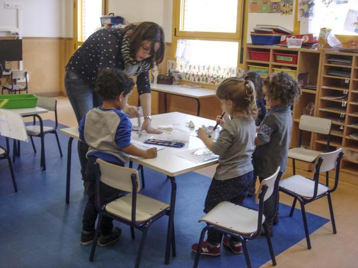 http://www.colegiotempranales.com/images/tempranales/centro/edificio/Cole_016.jpg
