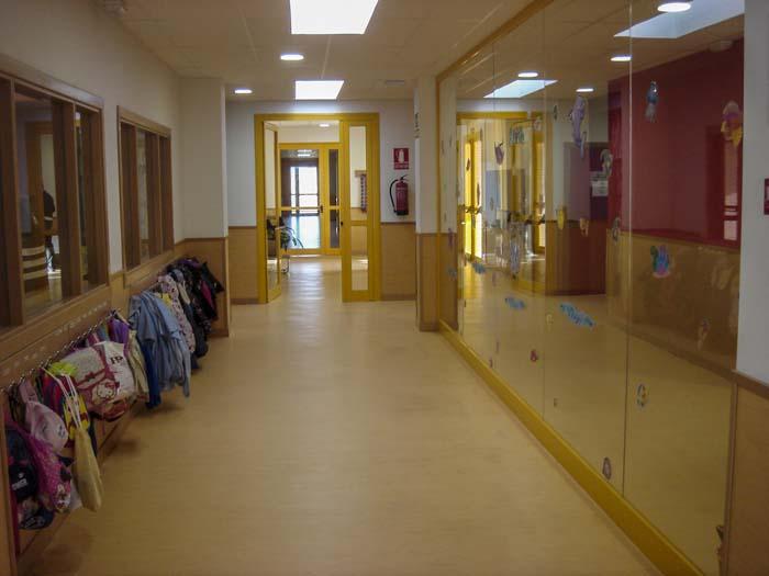 http://www.colegiotempranales.com/images/tempranales/centro/edificio/Cole_019.jpg