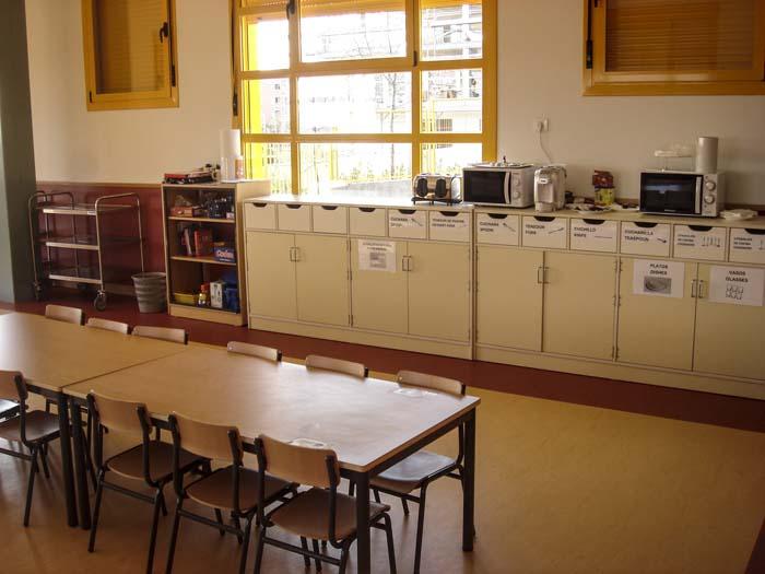 http://www.colegiotempranales.com/images/tempranales/centro/edificio/Cole_024.jpg