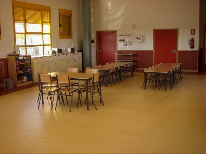 http://www.colegiotempranales.com/images/tempranales/centro/edificio/Cole_025.jpg