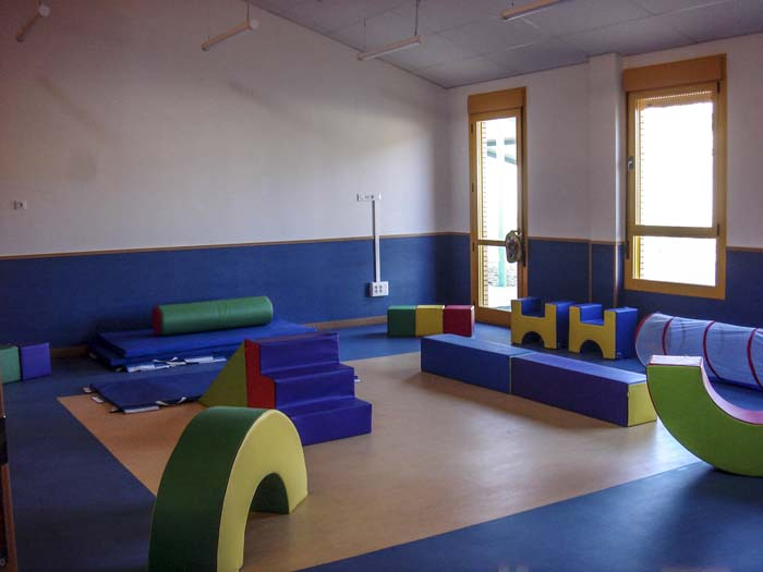 http://www.colegiotempranales.com/images/tempranales/centro/edificio/Cole_026.jpg