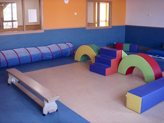 http://www.colegiotempranales.com/images/tempranales/centro/edificio/Cole_029.jpg