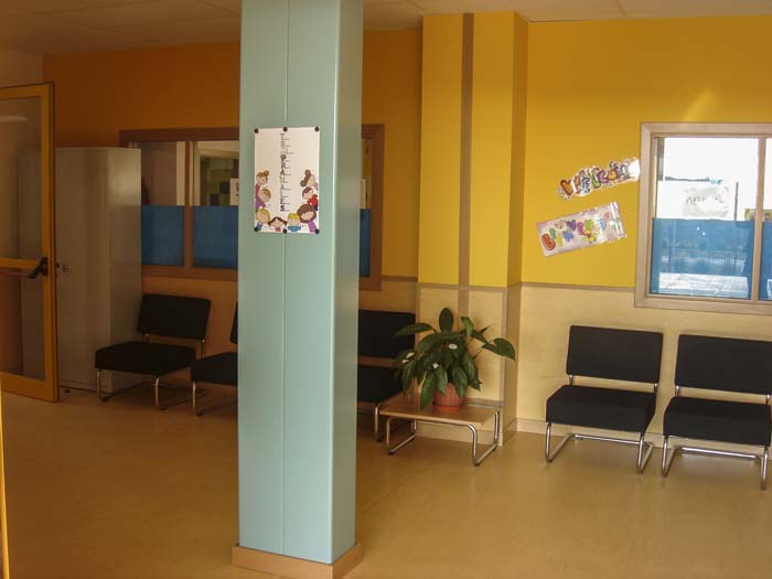 http://www.colegiotempranales.com/images/tempranales/centro/edificio/Cole_031.jpg