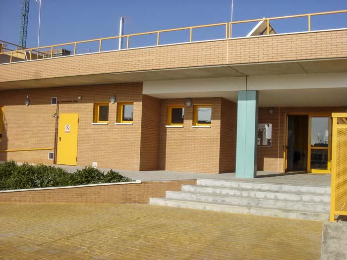 http://www.colegiotempranales.com/images/tempranales/centro/edificio/Cole_035.jpg
