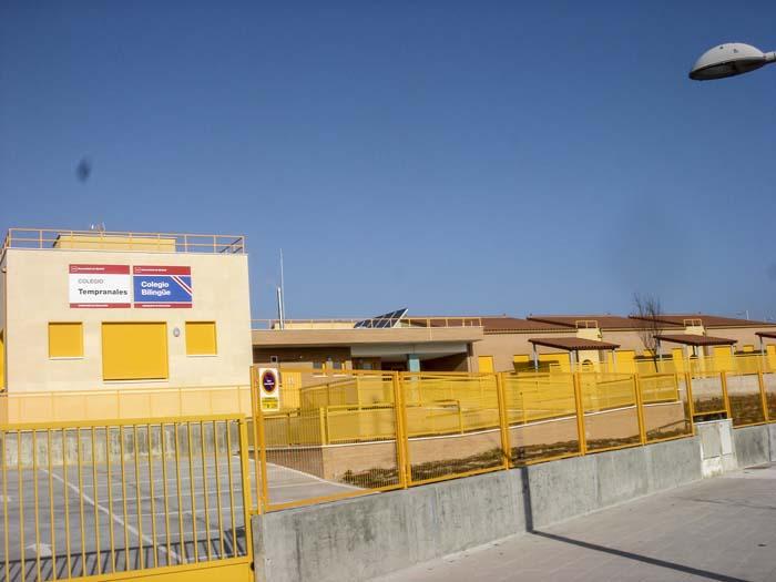 http://www.colegiotempranales.com/images/tempranales/centro/edificio/Cole_042.jpg