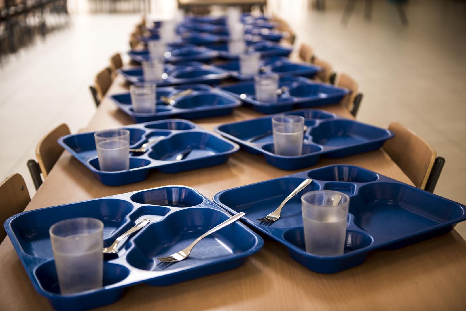 http://www.colegiotempranales.com/images/tempranales/centro/galeria/Comedor3.jpg