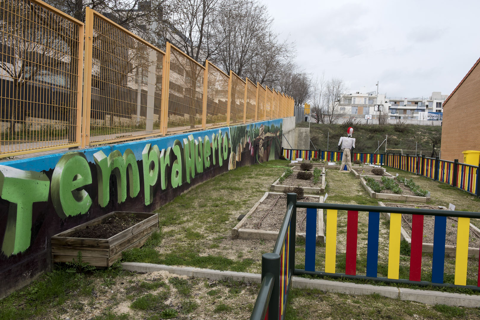 http://www.colegiotempranales.com/images/tempranales/centro/galeria/Huerto.jpg