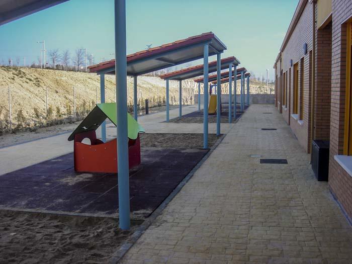 http://www.colegiotempranales.com/images/tempranales/centro/patios/Cole_002.jpg