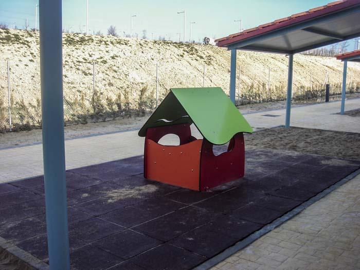 http://www.colegiotempranales.com/images/tempranales/centro/patios/Cole_003.jpg