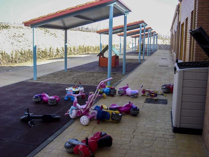 http://www.colegiotempranales.com/images/tempranales/centro/patios/Cole_048.jpg