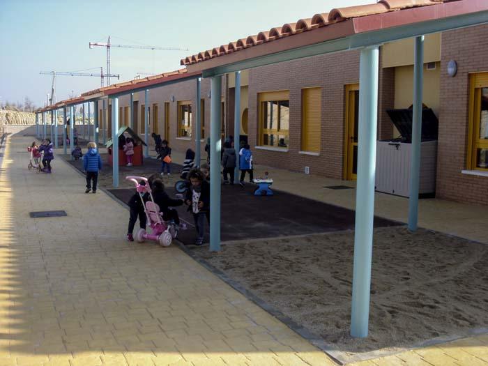 http://www.colegiotempranales.com/images/tempranales/centro/patios/Cole_050.jpg