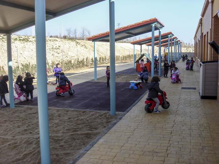 http://www.colegiotempranales.com/images/tempranales/centro/patios/Cole_051.jpg