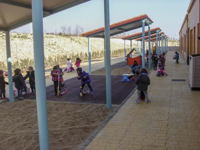 http://www.colegiotempranales.com/images/tempranales/centro/patios/Cole_052.jpg